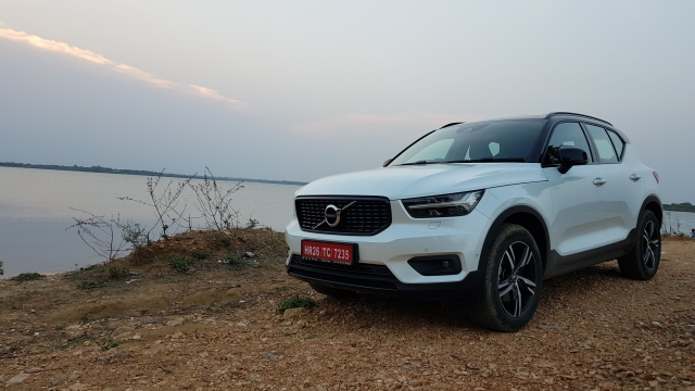 The Volvo XC40 comes with a 2-litre, 190 PS diesel engine that has 400 Nm torque mated to an 8-speed automatic with all-wheel drive.