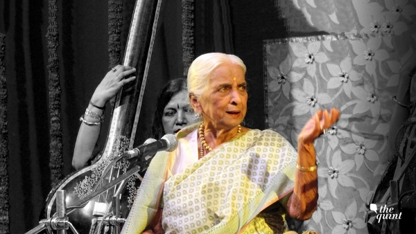 The late Girija Devi in concert.