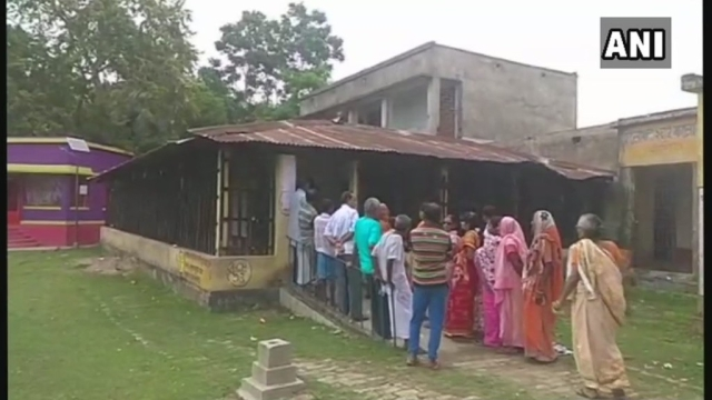 Voters queue up outside a polling booth in West Bengal. Image for representation.