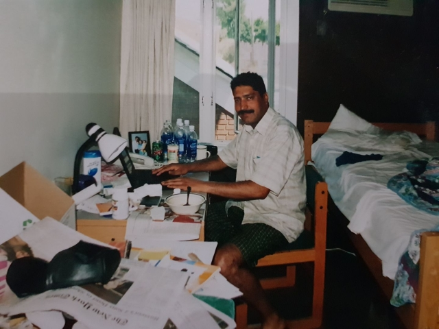 An image shared by Shujaat Bukhari on Facebook from his time in the US at the World Press Institute in 2003.