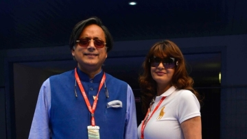 "Shashi Tharoor with Sunanda Pushkar.<a href=""http://www.thequint.com/section/Opinion""></a>"