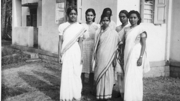 Students outside the first women's hostel, c 1945. (L-R) Rajeswari Chatterjee, Roshan Irani, M Premabai, Miriam George and Violet D'Souza