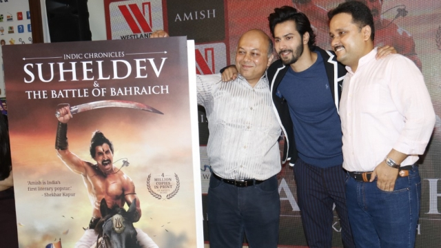 Varun Dhawan launches Amish Tripathi's (extreme right) latest book, <i>Suheldev & The Battle of Bahraich</i>.