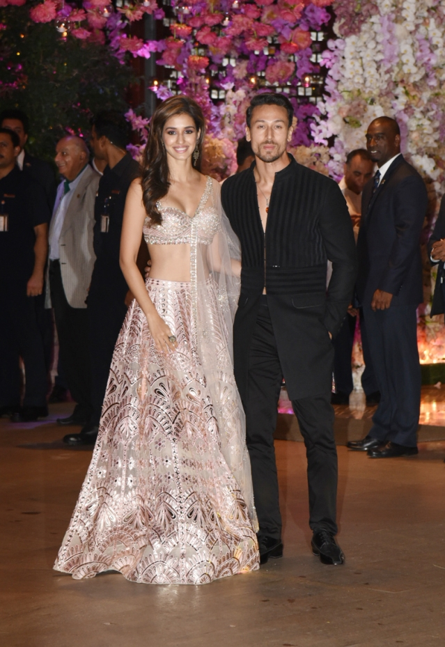 The hot couple, Tiger Shroff and Disha Patani were at the engagement party too.