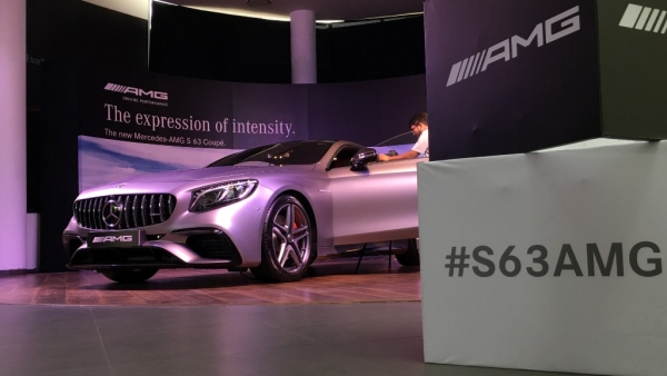 The Mercedes S 63 AMG comes with a 4.0L twin-turbo V8 engine.