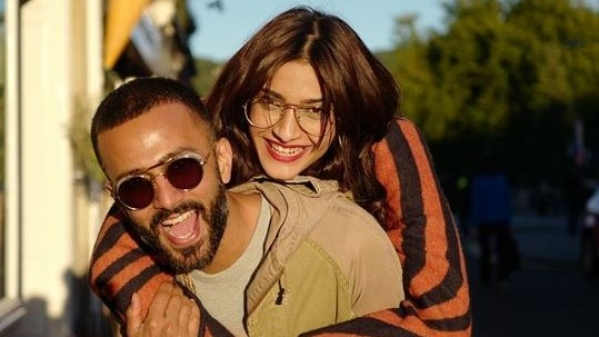 Sonam Kapoor gets a very special birthday gift from Anand Ahuja.