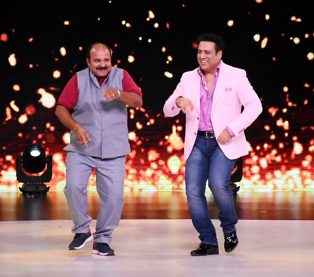 Sanjeev Shrivastava dances to Govinda's hits.