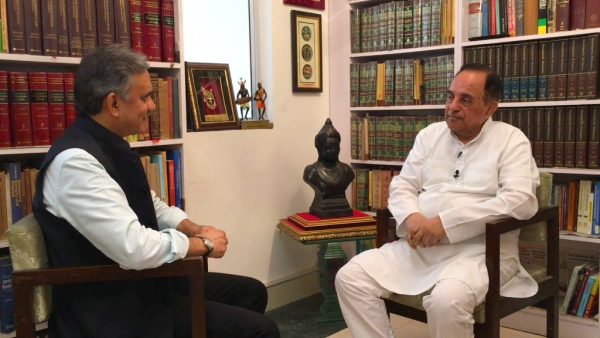 <b>The Quint's</b> Sanjay Pugalia with BJP leader Subramanian Swamy.