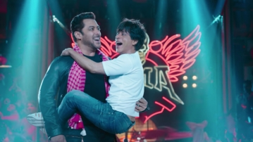 Salman Khan and Shah Rukh Khan in <i>Zero</i>.