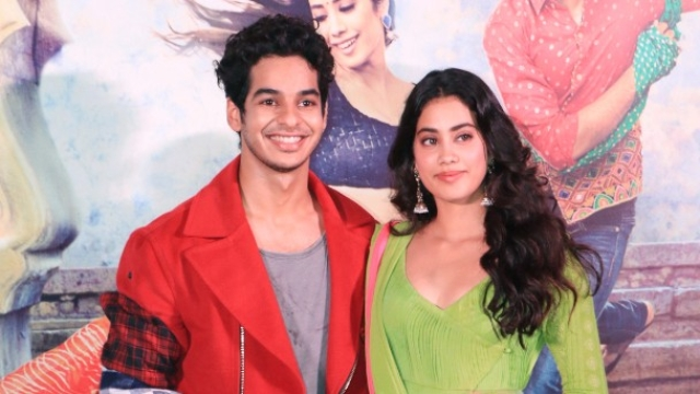 Ishaan Khatter and Janhvi Kapoor at the <i>Dhadak</i> trailer launch.&nbsp;