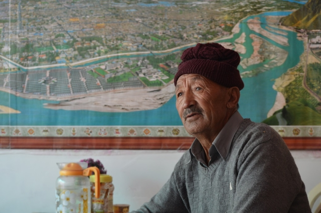 75-year-old Tsering Angdo has seen the number of tourists grow in recent years. In the past, only foreign tourists used to come to Leh. If there were any Indian tourists, he said, one could count them on the fingers of one hand.