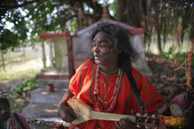 Tarak Das Baul, performs near Santiniketan, West Bengal.