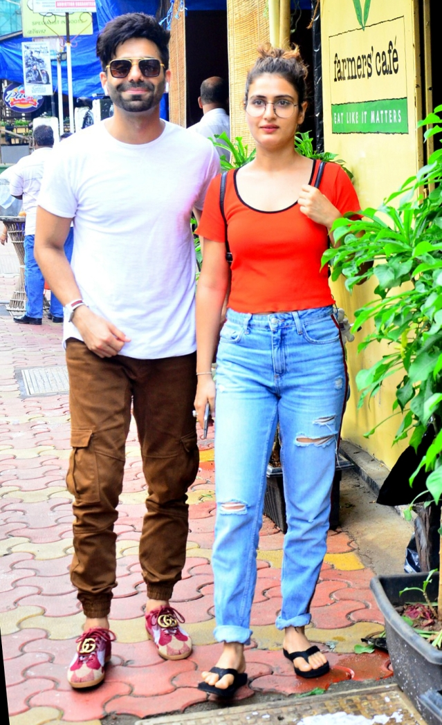 Fatima Sana Shaikh hopped to a Bandra cafe.