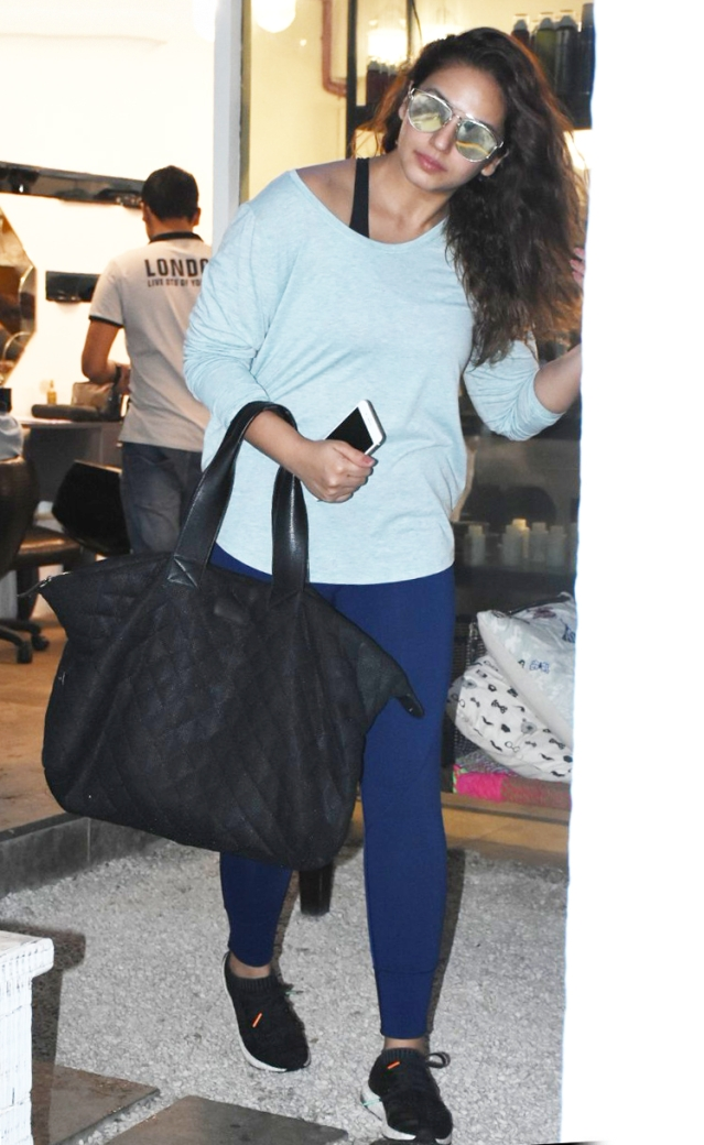 Huma Qureshi makes heads turn with her loose curls.