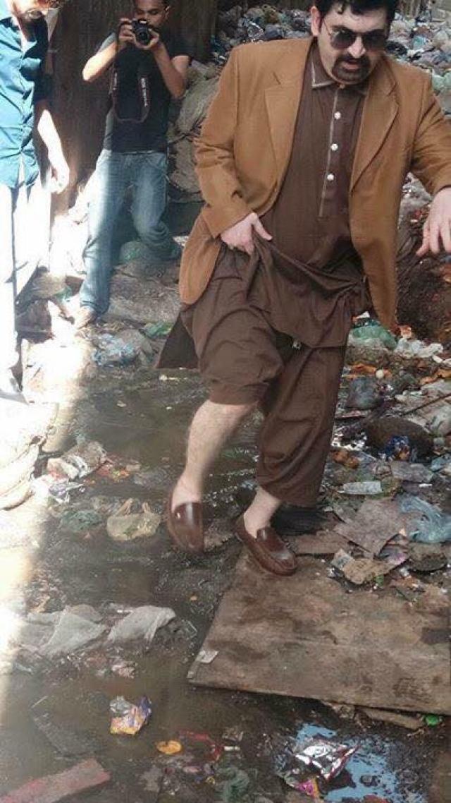 Motiwala at a garbage dumping site.