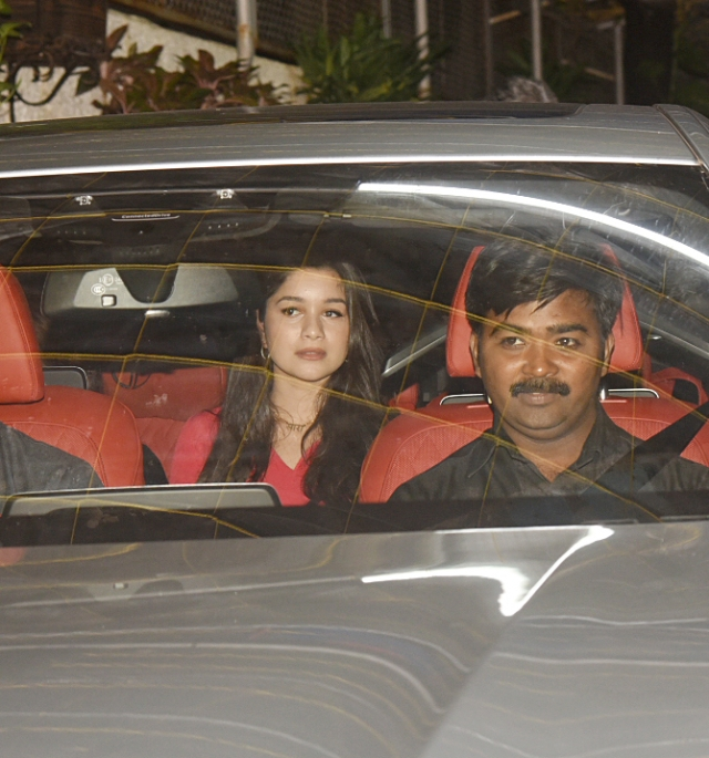 Sachin Tendulkar's daughter, Sara, accompanied her parents to the screening.