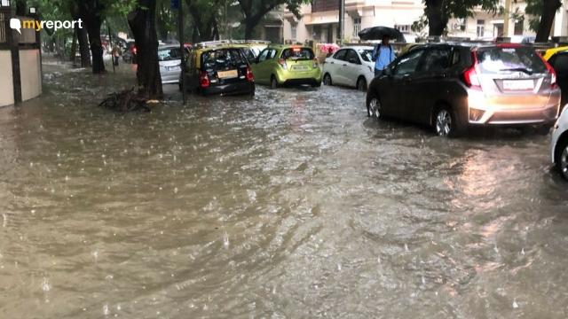 Waterlogging caused traffic jam at Parsi Colony, Dadar.