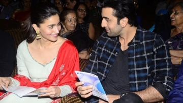 Ranbir Kapoor and Alia Bhatt are in a relationship.