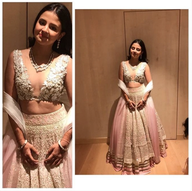 Sakshi Singh Dhoni seen in a Manish Malhotra couture <i>lehenga</i> on day 2, this one was a show-stealer hands down.