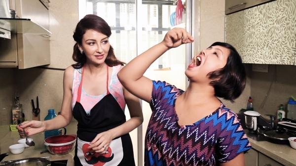 Saumya Tandon shows off her cooking skills.