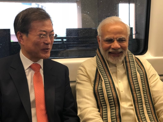 South Korean President Moon Jae-in and Prime Minister Narendra Modi in the Delhi metro.