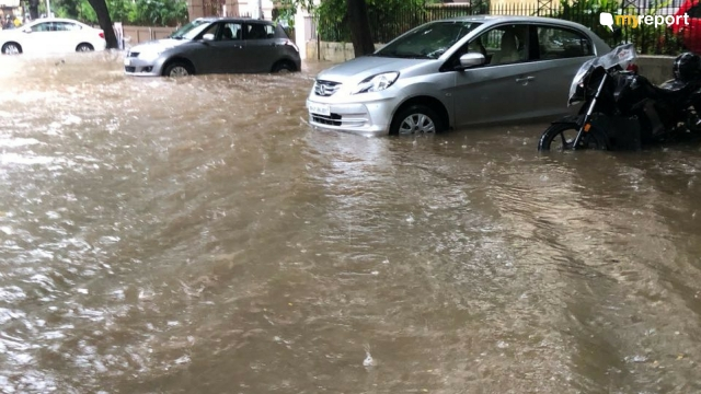 Parsi Colony at Dadar submerged in water.
