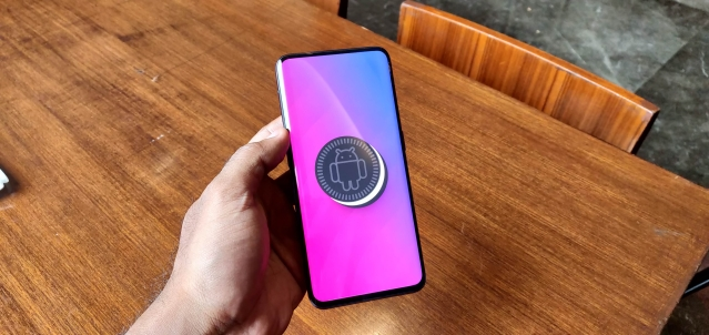 The Oppo Find X comes with Android Oreo out-of-the-box.