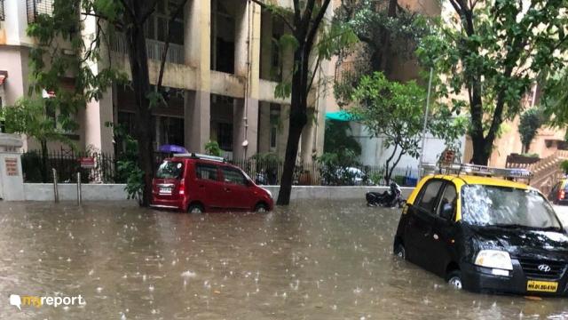 Cars stranded Parsi Colony, Dadar.