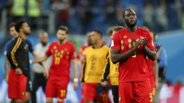 Belgium's Romelu Lukaku applauds to supporters after the semifinal match between France and Belgium at the 2018 soccer World Cup in the St. Petersburg Stadium in, St. Petersburg, Russia, Tuesday, July 10, 2018. (AP Photo/Frank Augstein)