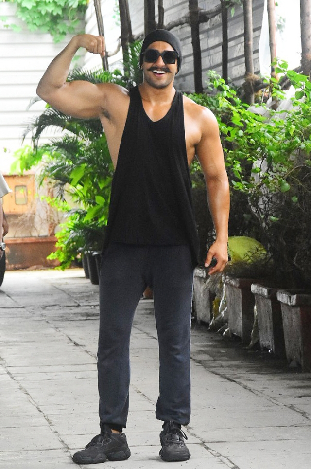 Ranveer Singh shows off his bicep.