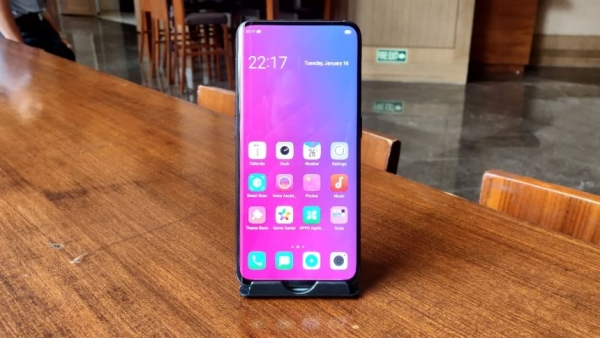 Oppo Find X comes with a 6.42-inch display