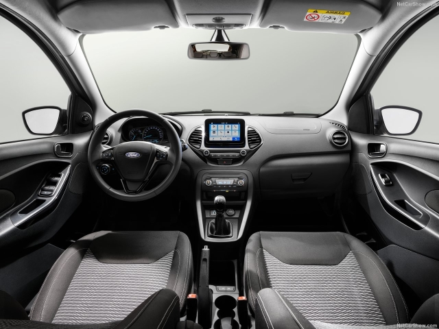Inside, the facelift will see minor updates to the centre console to make it look cleaner.