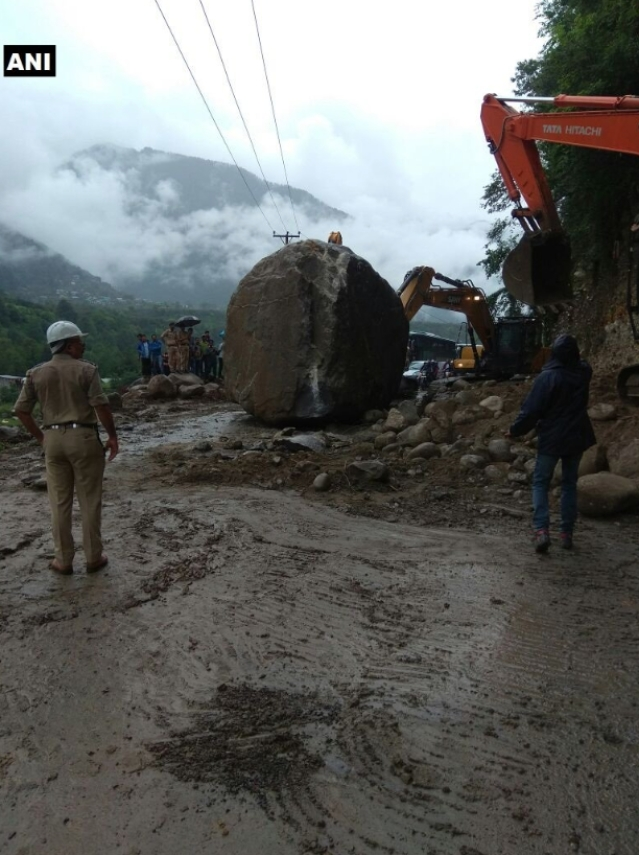 Boulders fell on National Highway 3 disrupting traffic.