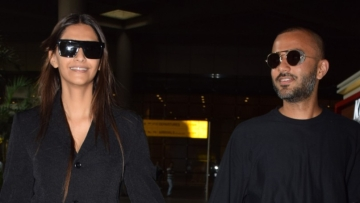 Sonam Kapoor and her husband, Anand Ahuja were spotted hand in hand at the airport.
