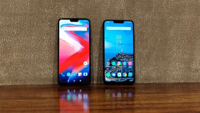 The OnePlus 6 (left) comes with a 6.28-inch display while the Asus Zenfone 5z (right) comes with a 6-inch display.