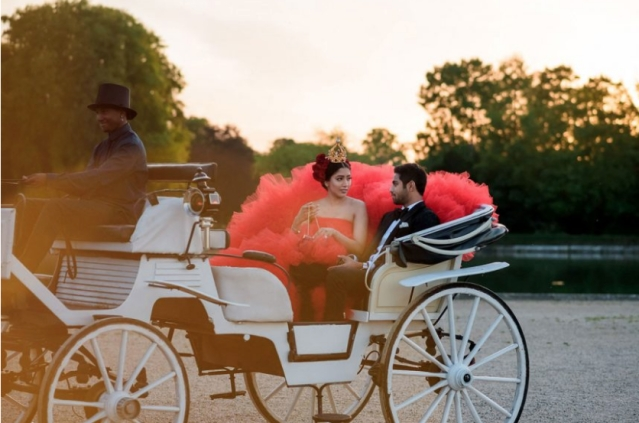 The couple arrived in a Louis IV carriage.