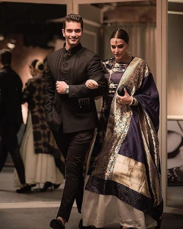 Newly weds, Angad Bedi and Neha Dhupia looked stunning during the reception.