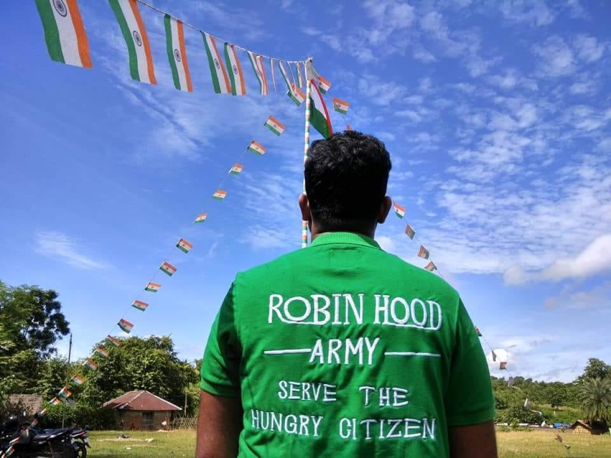 Robin Hood Army On Independence Day This Group Shared Food With A