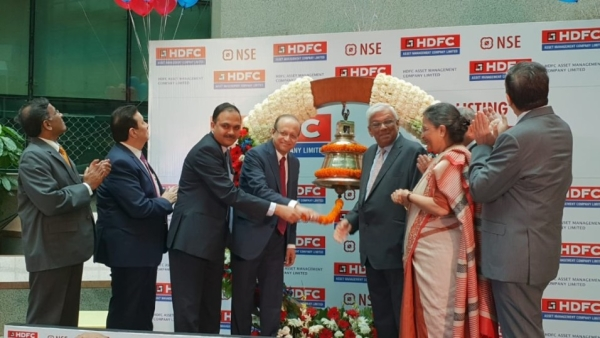 HDFC Chairman Deepak Parekh and Milind Barve, MD & CEO of HDFC AMC, at the roadshow of HDFC AMC IPO in Mumbai.