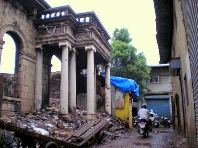 <i>This is what Bombay Talkies, or what is left of it, looked like in 2010. The ornate structure that survives used to be the main studio office. The rest of the compound is completely occupied by small-scale manufacturing workshops.</i>