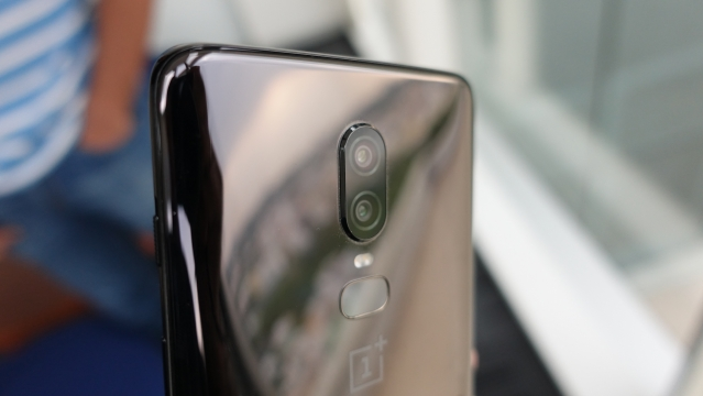 Dual rear cameras on the OnePlus 6.