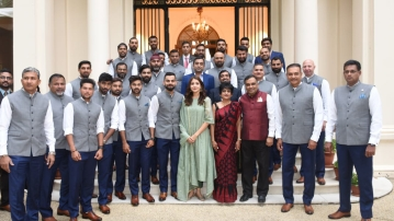 Anushka Sharma pictured with the Indian Cricket Team in London.