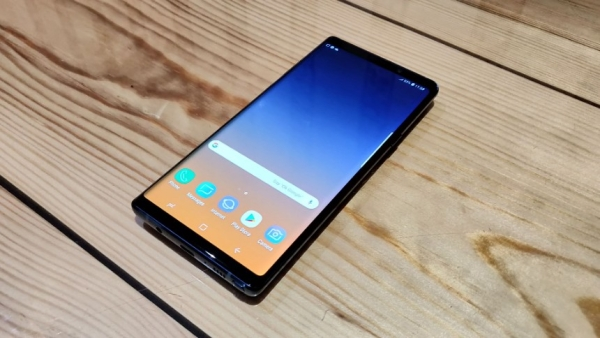 The Samsung Galaxy Note 9 comes with a Quad HD display.