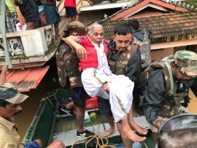 Ernakulam: Indian Army personnel carry out rescue operations in flood-hit Kerala