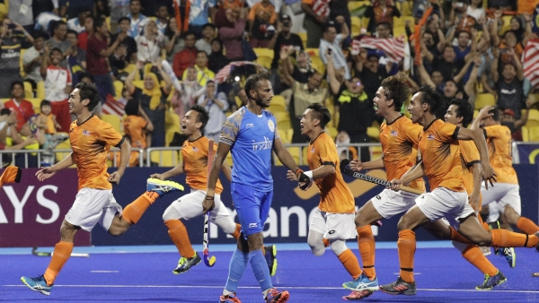 Asian Games 2018: SV Sunil misses his penalty shot as Malaysia celebrate reaching the final.