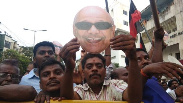 Former Tamil Nadu Chief Minister Karunanidhi passed away on Tuesday, 7 August, leaving behind a grieving state.