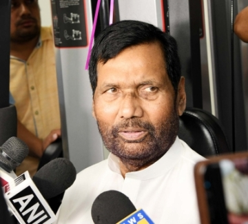 New Delhi: Union Consumer Affairs, Food and Public Distribution Minister Ram Vilas Paswan talks to the media during the inauguration of Gymnasium of the Department of Food and Public Distribution, in New Delhi on August 2, 2018. (Photo: IANS/PIB)