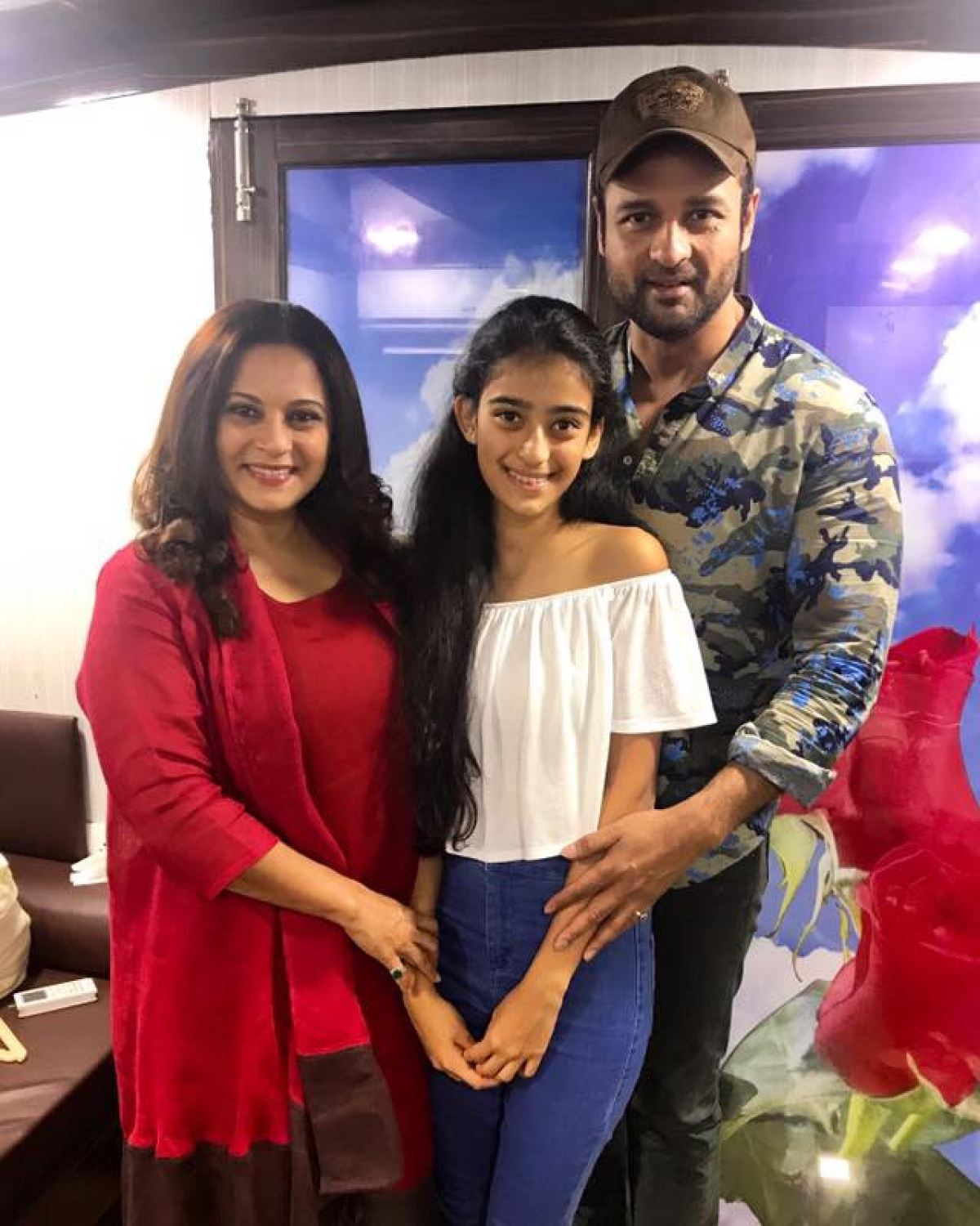 Manasi, with her family, on the sets of <i>Dhai Kilo Prem</i> in 2017.