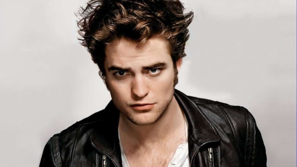 Robert Pattinson said said he's ready to reprise his role as vampire Edward Cullen in the <i>Twilight</i> franchise.