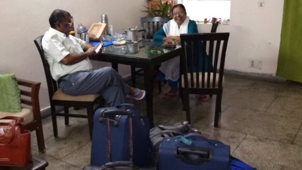 These punctual parents have the internet bonding.
